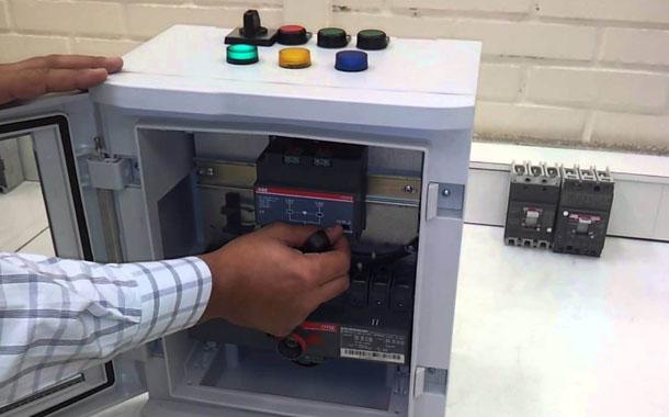 Montagem de painel de transferência automática JE Instalações