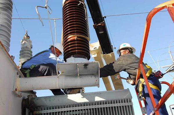 Manutenção preventiva em transformadores elétricos